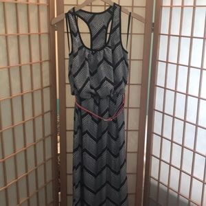 Junior's Black and White Maxi Dress